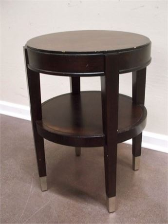 SMALL ROUND SIDE/ACCENT TABLE