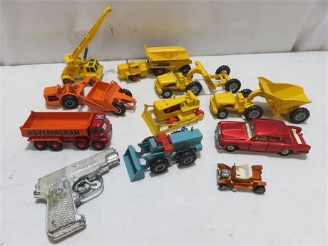 LESNEY Die Cast Construction Vehicle Lot
