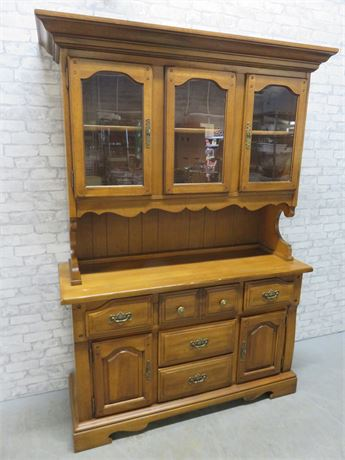 Vintage Early American Style Hutch