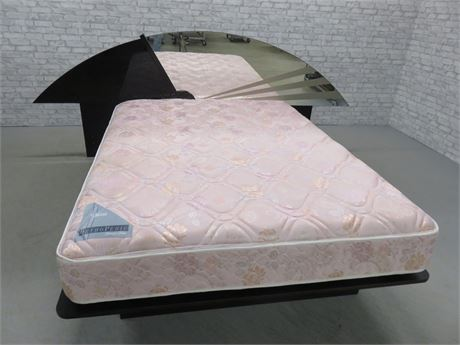 Contemporary Style King/Queen Platform Bed