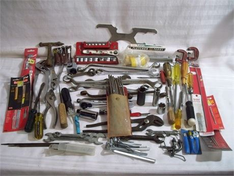LARGE TOOL LOT - WELL OVER 60 PIECES