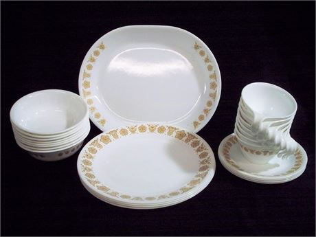 VINTAGE CORELLE WARE BUTTERFLY GOLD DINNERWARE - 25 PIECES