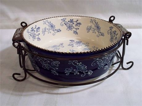 TARA TEMP-TATIONS 2 QT. CASSEROLE WITH WIRE RACK - FLORAL LACE