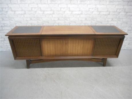 GE MID CENTURY SOLID STATE STEREO CABINET