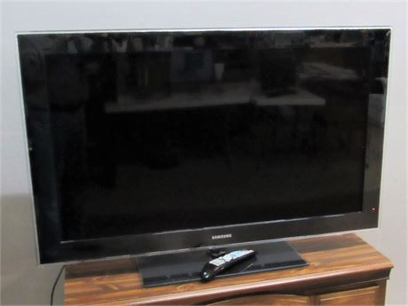 "Samsung 46"" LCD Flat Panel TV with Remote"