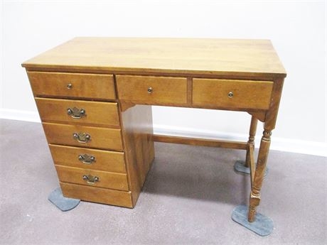 VINTAGE MAPLE ETHAN ALLEN DESK