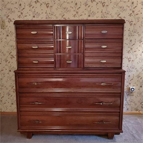 Kling Chest of Drawers