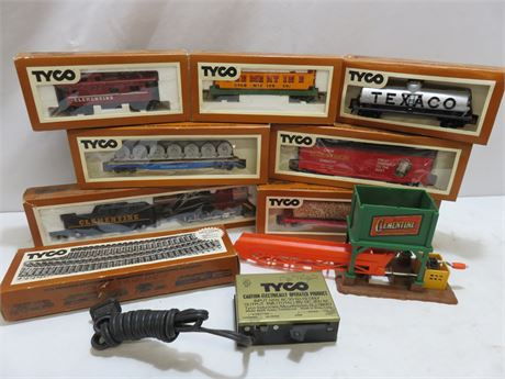 TYCO HO Scale Train Set Lot