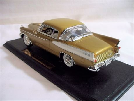ANSON CLASSIC 1:18 SCALE DIECAST - 1957 STUDEBAKER GOLDEN HAWK WITH BOX