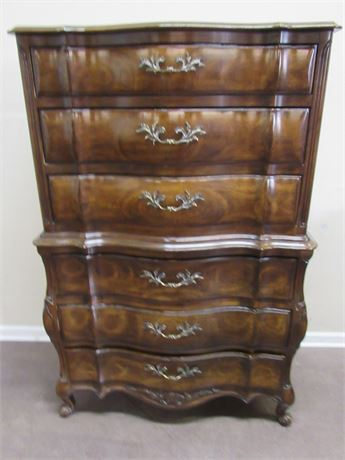 GORGEOUS WHITE FURNITURE CHEST ON CHEST STYLE (1 PIECE) SERPENTINE FRONT CHEST