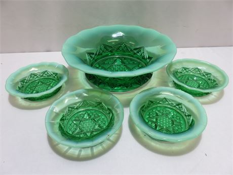 Vintage NORTHWOOD Diamond Spearhead Opalescent Green Glass Berry Bowl Set