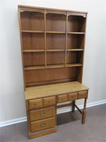 WILLIAMS FURNITURE Maple Student Desk & Hutch
