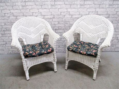 LOT OF 2 WHITE WICKER CHAIRS