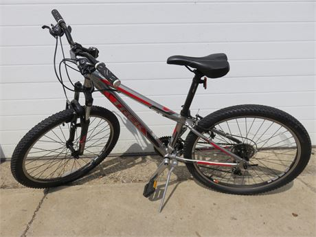 TREK 3500 Boys Mountain Bike
