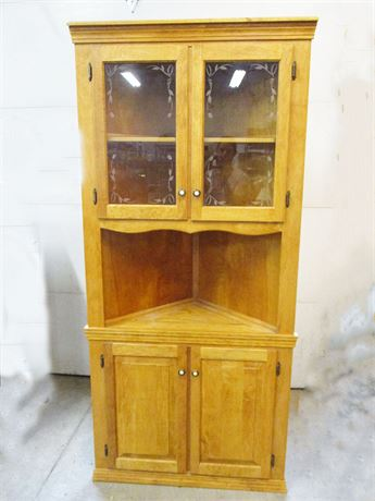 BEAUTIFUL CORNER CABINET