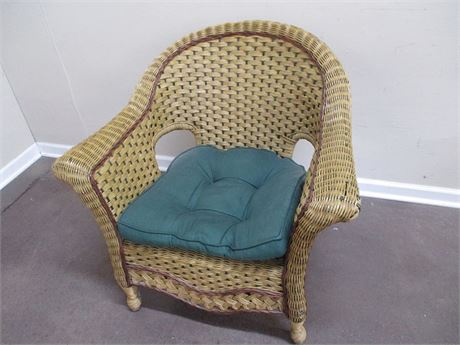 BEAUTIFUL WICKER ARM CHAIR