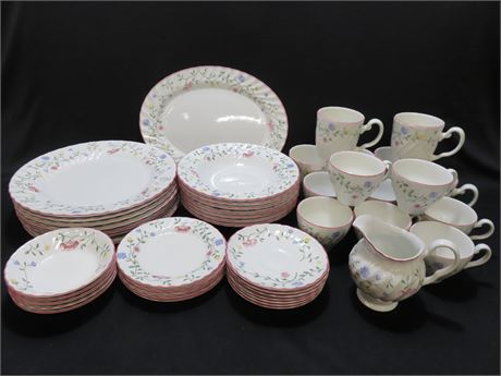 JOHNSON BROS.Summer Chintz 47-Piece China Set - ENGLAND