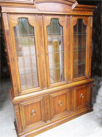 "DREXEL ""FRANCESCA"" CHINA CABINET"