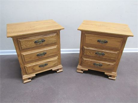 2 OAK NIGHTSTANDS