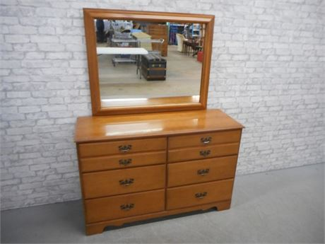 LINCOLN INDUSTRIES VIRGINIA HOUSE DRESSER WITH MIRROR