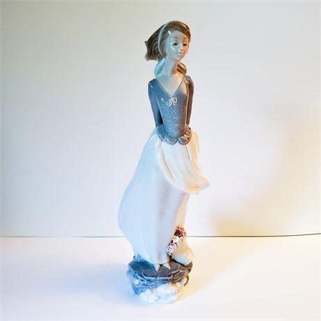 "Lladro Figurine ""Sea Breeze"" #4922"