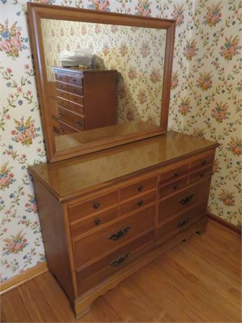 Colonial Style Dresser with Mirror