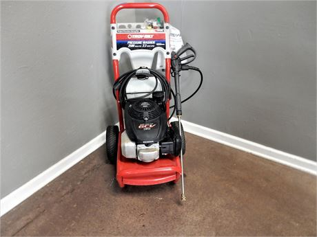 Troybuilt 2500 Pressure Washer Powered by Honda
