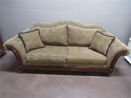 NICE LOOSE PILLOW-BACK SOFA WITH WOOD TRIM