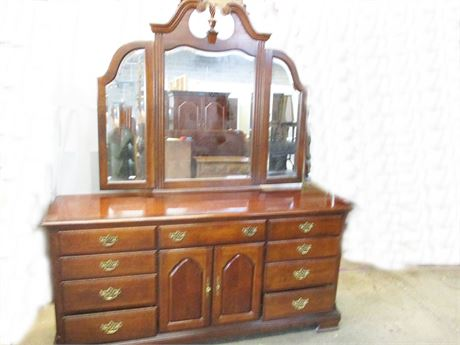 AMERICAN DREW TRIPLE DRESSER WITH THREE-PANEL MIRROR