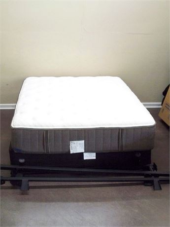 STEARNS & FOSTER QUEEN LA LAZIO III LUXURY PLUSH TIGHT TOP MATTRESS & BOX SPRING