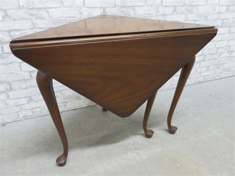 Vintage Drop Leaf Gate Leg Table