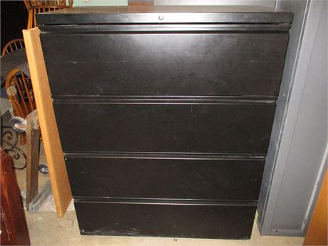4-DRAWER LOCKING LATERAL FILE CABINET