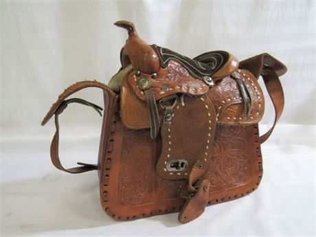 TOOLED LEATHER HORSE SADDLE PURSE