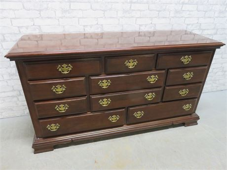 KINCAID Triple Dresser
