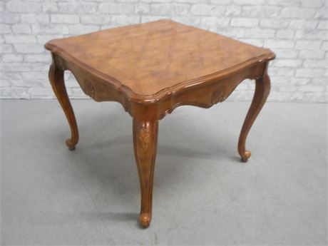 END TABLE WITH PARQUET DESIGN TOP
