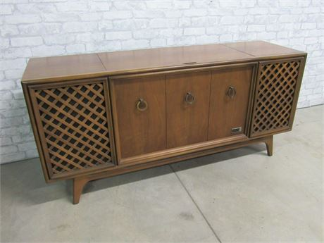 Vintage Zenith Mid Century AM/FM Transistor Stereo Console with Turntable
