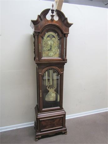 BEAUTIFUL HERITAGE HEIRLOOMS FLAME MAHOGANY TALL CASE GRANDFATHER CLOCK