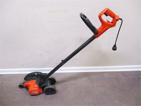 BLACK & DECKER ELECTRIC EDGE HOG 2-IN-1 LANDSCAPE EDGER MODEL LE750