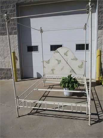 LOVELY QUEEN WROUGHT IRON CANOPY BED