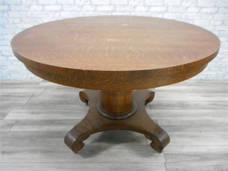 GREAT LOOKING ANTIQUE QUARTER SAWN OAK DINING TABLE