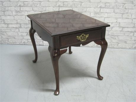 BASSETT END TABLE WITH DRAWER AND CABRIOLE LEGS