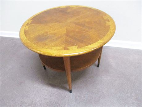 "LANE ""ACCLAIM"" SERIES MID-CENTURY MODERN ROUND SIDE TABLE"