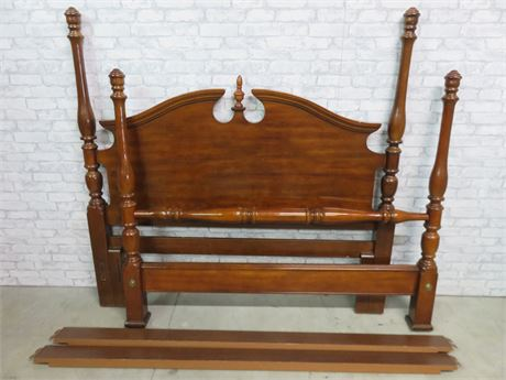 SUMTER CABINET CO. Colonial Style Poster Bed