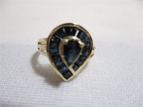 PEAR-SHAPED SAPPHIRE RING - 14 KT