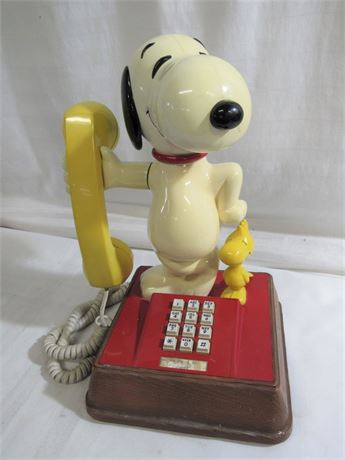 VINTAGE SNOOPY AND WOODSTOCK TELEPHONE