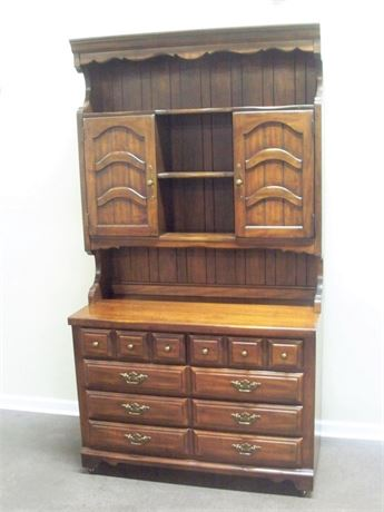 THOMASVILLE CHEST OF DRAWERS WITH HUTCH
