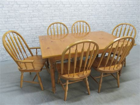 Knotty Pine Dining Table Set