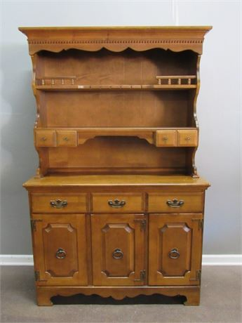 St. Johns Solid Maple 2 Piece Hutch