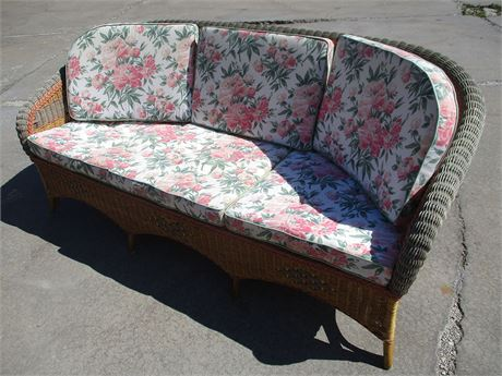BEAUTIFUL WICKER SOFA