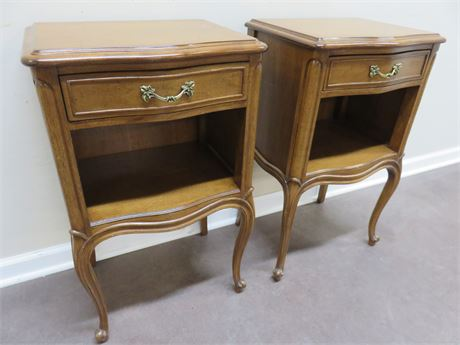 DREXEL Bordeaux Serpentine Front Nightstands